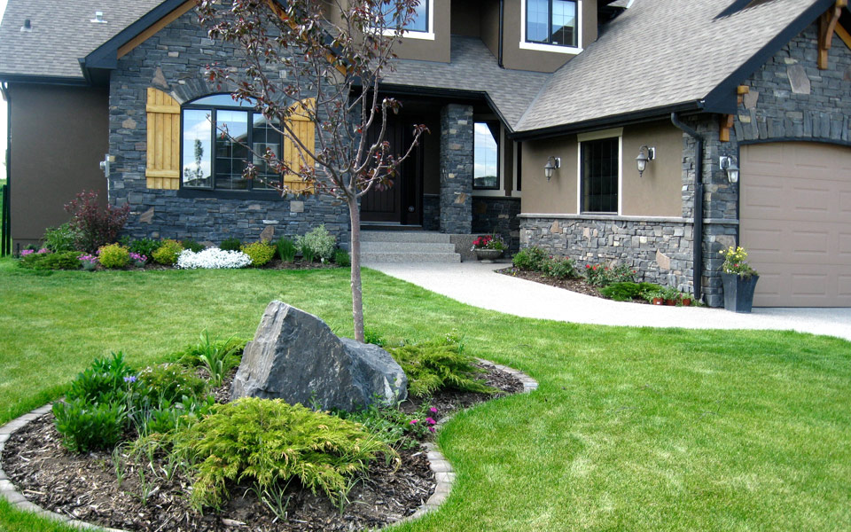 3 TIPS ON CHOOSING THE RIGHT LANDSCAPE CONTRACTOR